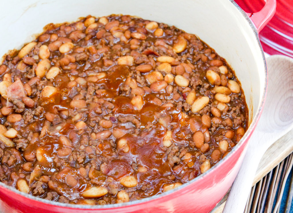 Baked beans in a pot
