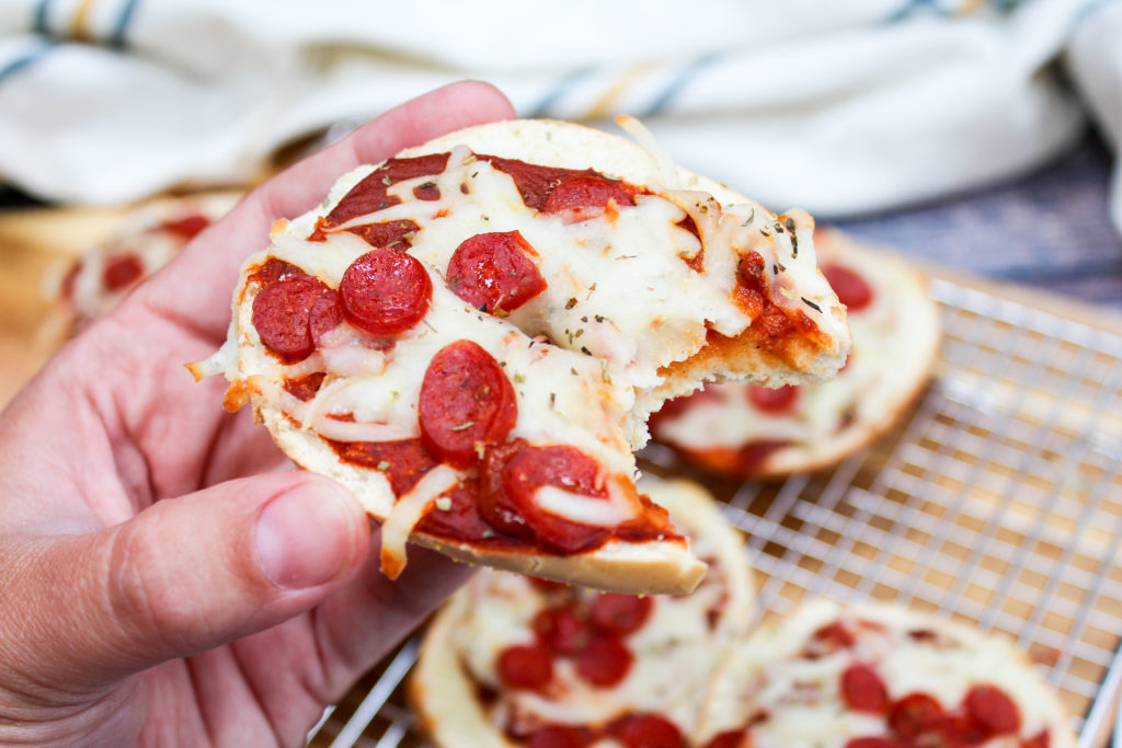 pizza bagels with a bite