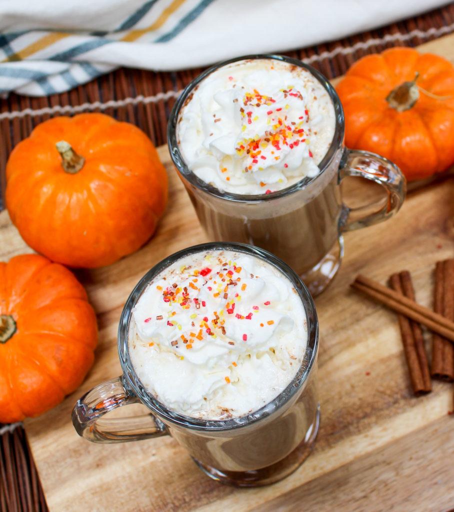 pumpkin latte in mugs