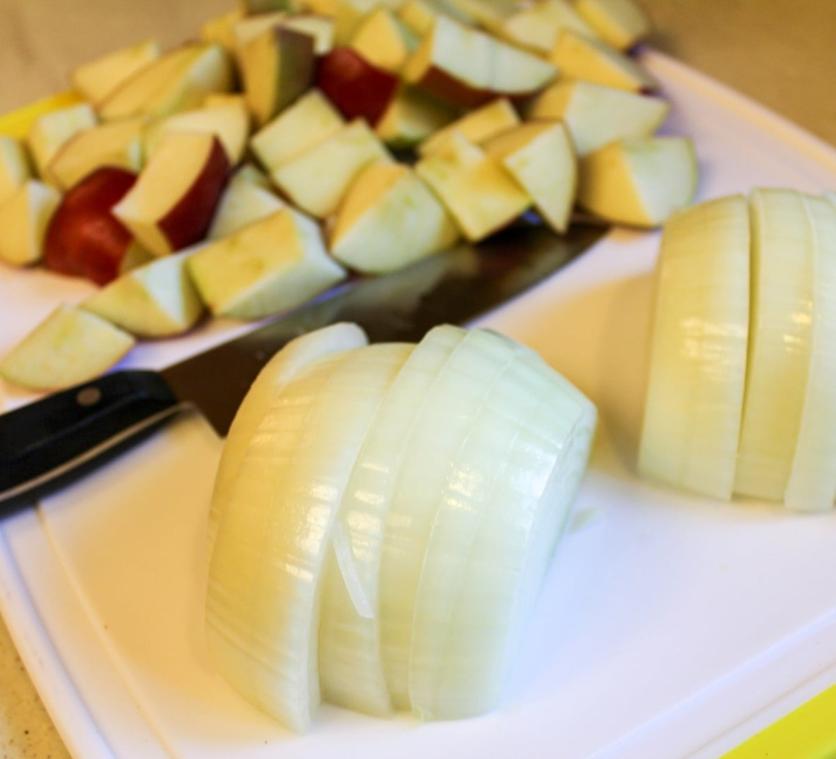 sliced onion and chopped apples