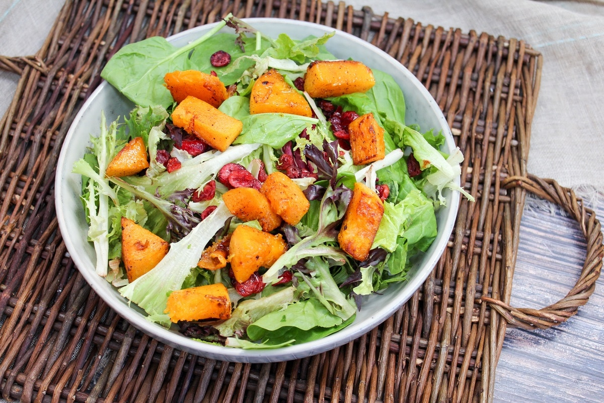 salad with squash and cranberries