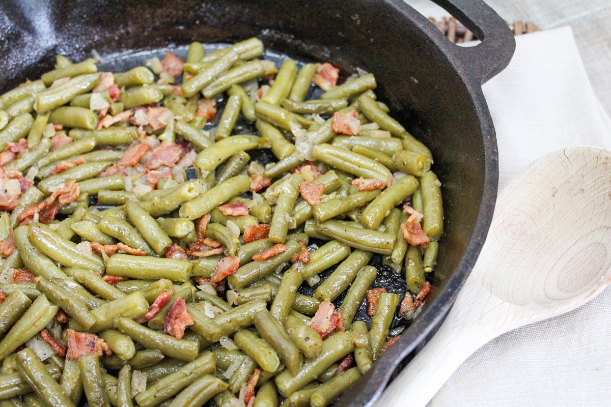 texas green beans in a skillet