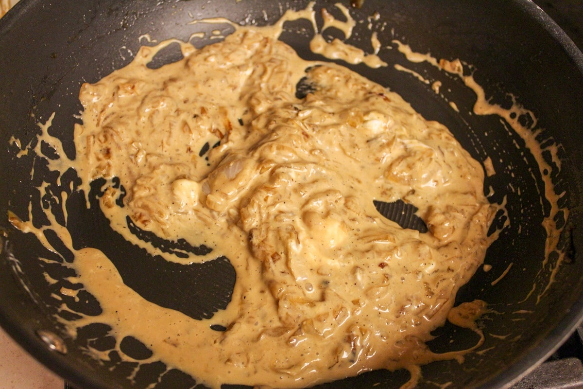 cooking onions in creamy sauce