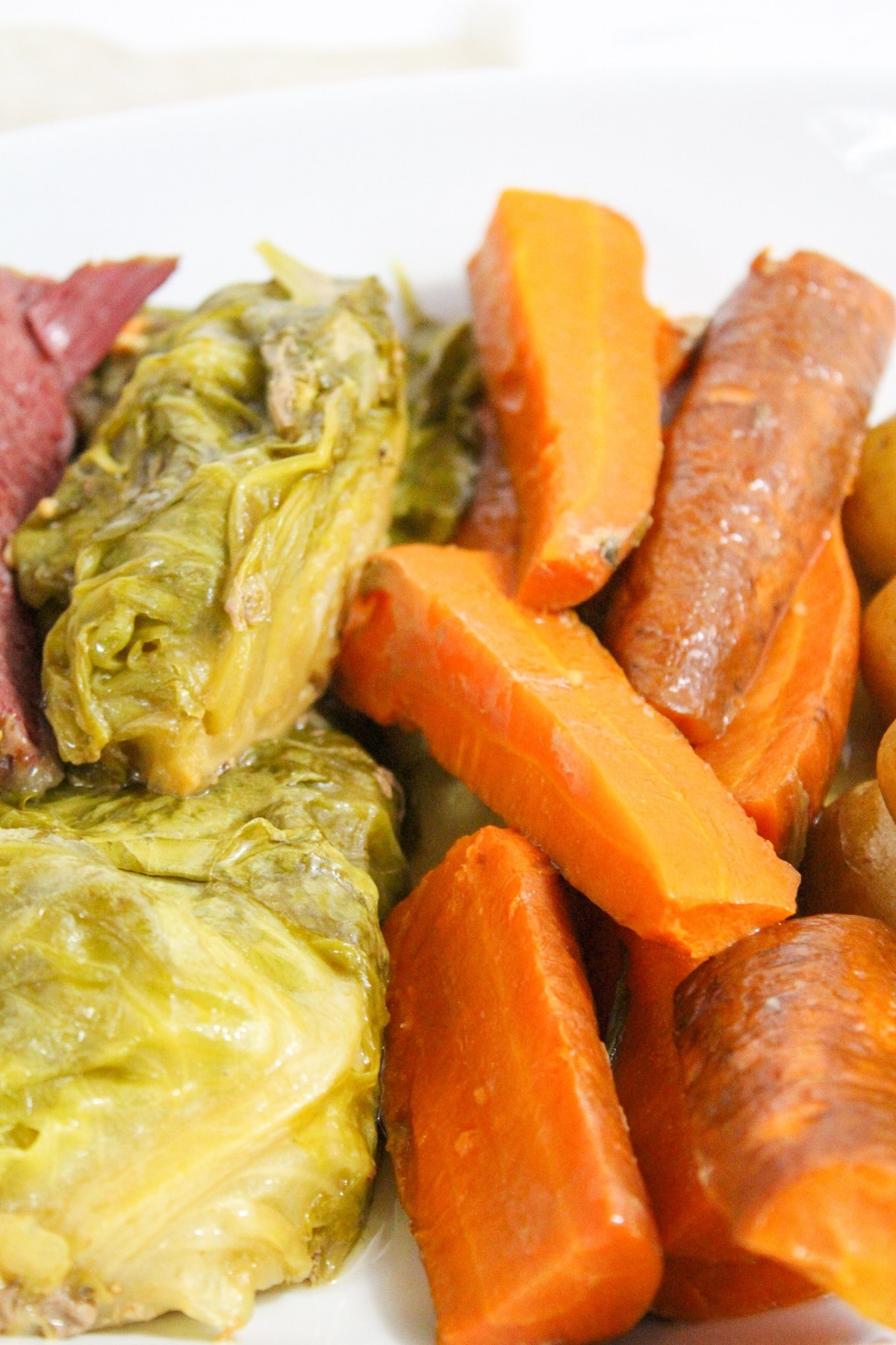 cooked carrots and cabbage