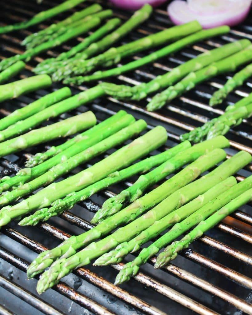 asparagus on grill