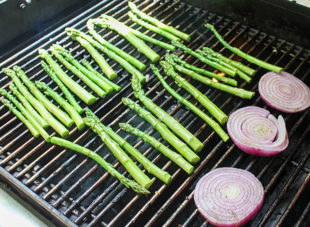 asparagus and onion on grill