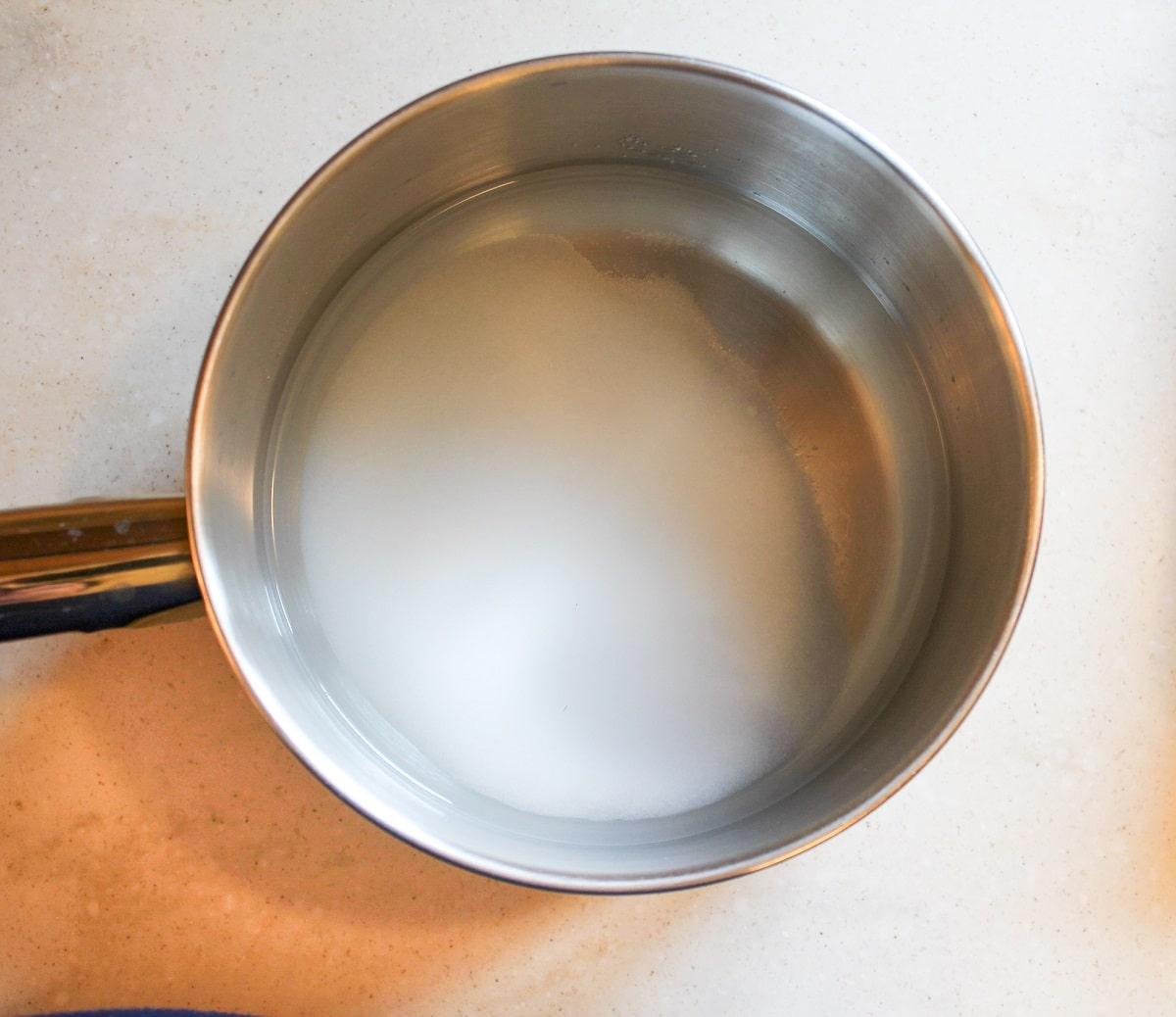pot with pickling liquid