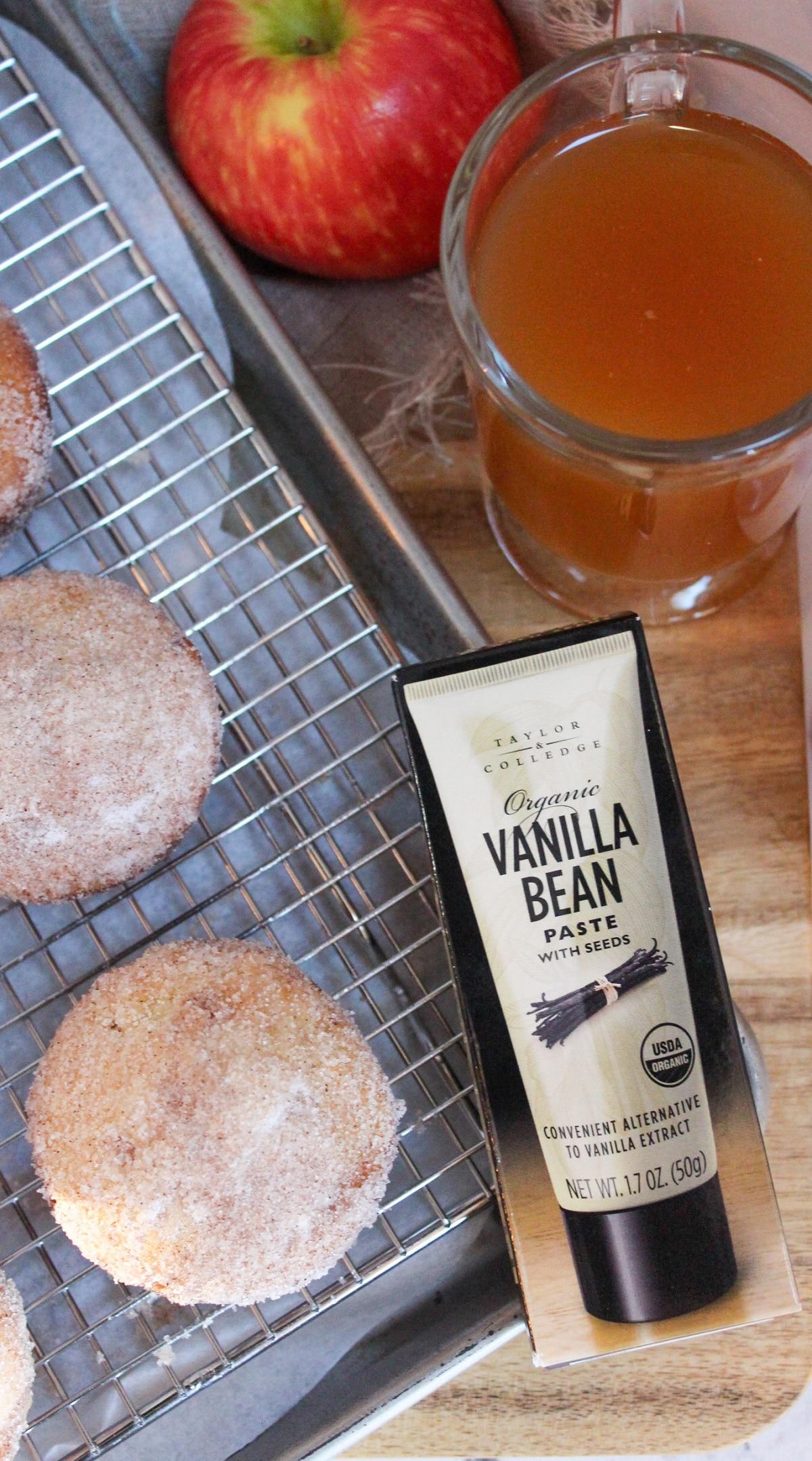 vanilla bean paste with muffins